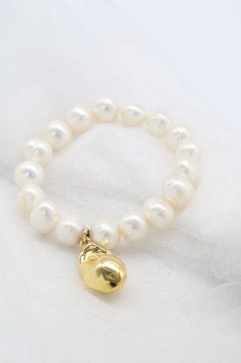 gold charm freshwater pearl bracelet / 10mm~11mm