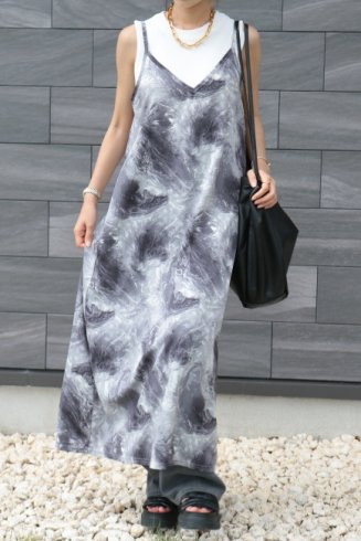<img class='new_mark_img1' src='https://img.shop-pro.jp/img/new/icons14.gif' style='border:none;display:inline;margin:0px;padding:0px;width:auto;' />V neck marbling long camisole dress / gray