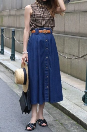 <img class='new_mark_img1' src='https://img.shop-pro.jp/img/new/icons14.gif' style='border:none;display:inline;margin:0px;padding:0px;width:auto;' />【vintage】denim flare button down skirt