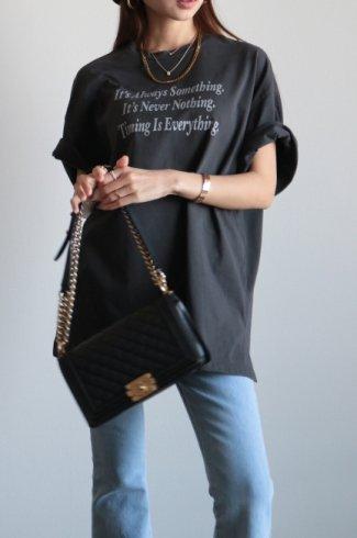 【original】round neck text printed big silhouette tee / ash black