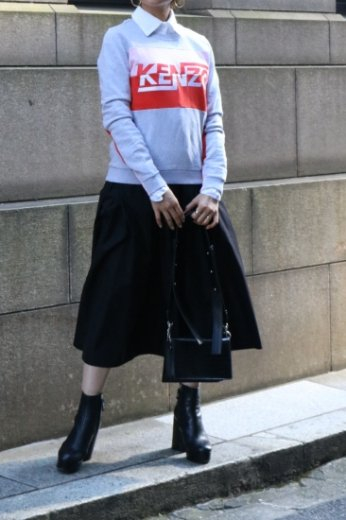 <img class='new_mark_img1' src='https://img.shop-pro.jp/img/new/icons14.gif' style='border:none;display:inline;margin:0px;padding:0px;width:auto;' />【USED】KENZO /  logo embroidery color block sweat shirt