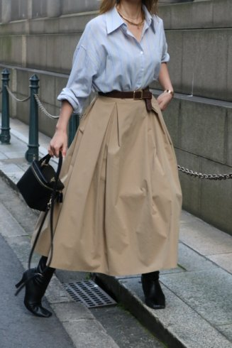<img class='new_mark_img1' src='https://img.shop-pro.jp/img/new/icons14.gif' style='border:none;display:inline;margin:0px;padding:0px;width:auto;' />high waist double tuck volume flare skirt / beige