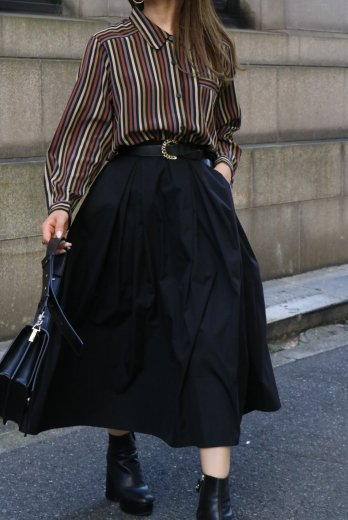 <img class='new_mark_img1' src='https://img.shop-pro.jp/img/new/icons14.gif' style='border:none;display:inline;margin:0px;padding:0px;width:auto;' />【vintage】round collar multi color stripe blouse