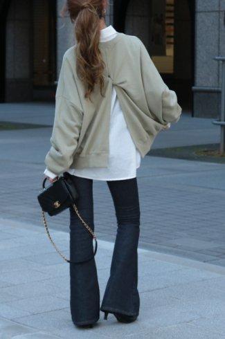 <img class='new_mark_img1' src='https://img.shop-pro.jp/img/new/icons14.gif' style='border:none;display:inline;margin:0px;padding:0px;width:auto;' />round neck back open twist sweatshirt / khaki