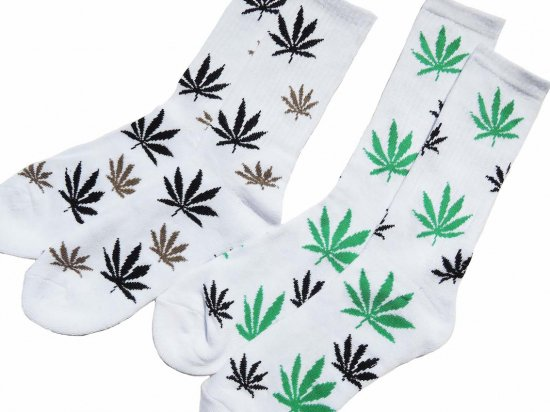 <img class='new_mark_img1' src='https://img.shop-pro.jp/img/new/icons15.gif' style='border:none;display:inline;margin:0px;padding:0px;width:auto;' />MEN'S  CREW  LEAF  SOCKS