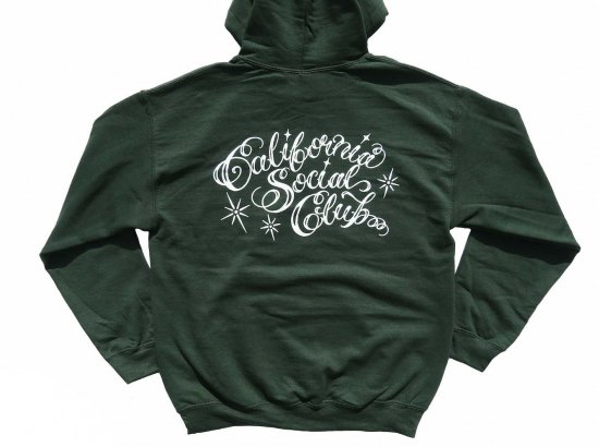 <img class='new_mark_img1' src='https://img.shop-pro.jp/img/new/icons15.gif' style='border:none;display:inline;margin:0px;padding:0px;width:auto;' />California Social Club SHOP VAN PULLOVER HOODIE フーディー  GREEN