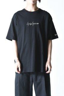 Yohji Yamamoto × NEW ERA TEE YY SIGN