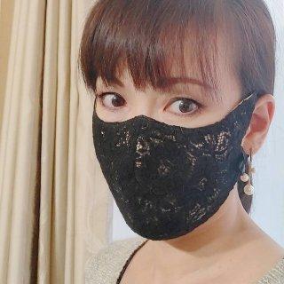 ブラック  リピーター続々 冬のブラック 高級レース★女優マスク UVカット 超立体 冠婚葬祭 フォーマルにも 肌荒れしない