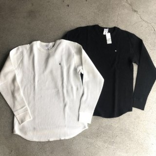 <img class='new_mark_img1' src='https://img.shop-pro.jp/img/new/icons50.gif' style='border:none;display:inline;margin:0px;padding:0px;width:auto;' />HOSU One Star Embroidery Waffle Long Sleeve Tee