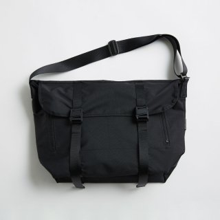 AMIACALVA MESSENGER BAG(BLACK)
