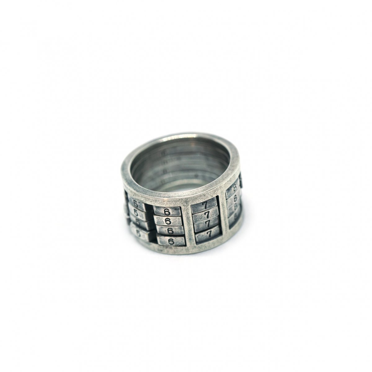 【 VARDE77 x THEFT 】NUMBER ROCK RING 4 SILVER