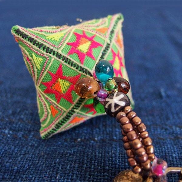 モン族 手刺繍チャーム キーホルダー 37D
