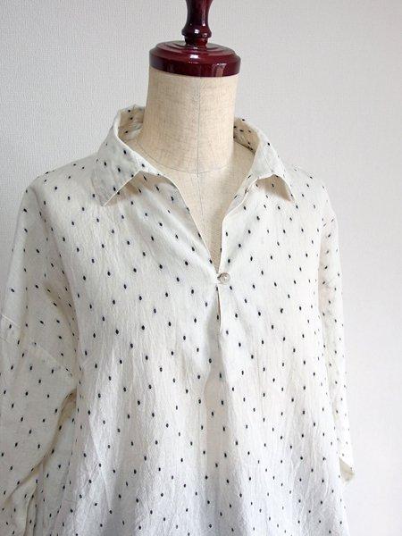 スキッパーカラードットシャツ ホワイト