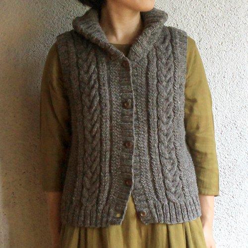 ウール100%手編みベストアランふっくらエリ