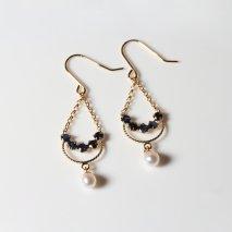 Sapphire & Pearl Hook Pierce | K18