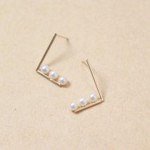 Minimalist Pearl Line Pierce | K10YG