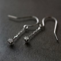 Diamond Hook Pierce 0.1ct | Pt850
