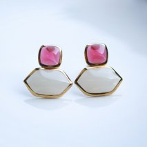 Bi-Color Earring<img class='new_mark_img2' src='https://img.shop-pro.jp/img/new/icons14.gif' style='border:none;display:inline;margin:0px;padding:0px;width:auto;' />