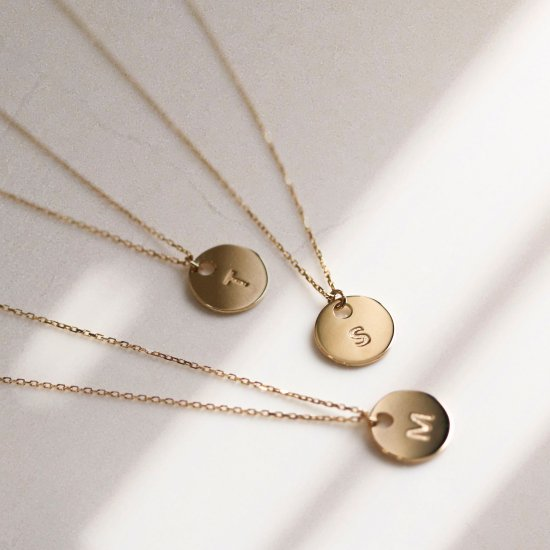 Initial Coin Necklace | K10YG<img class='new_mark_img2' src='https://img.shop-pro.jp/img/new/icons14.gif' style='border:none;display:inline;margin:0px;padding:0px;width:auto;' />