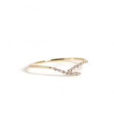 Diamond V Shaped Ring   K10YG