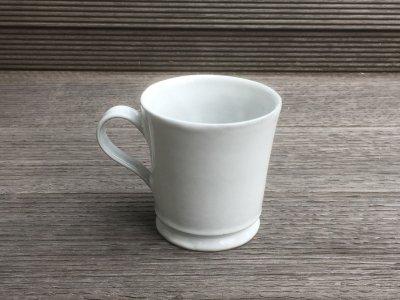 洋食器のようにも見えるモダンな雰囲気を持つ工房・國さんの器 コーヒーカップ