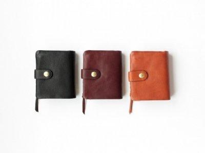 CINQ イタリアンレザーを使用した2つ折り財布