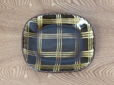 山口和声(三重県)さんのスリップウェア 丸角皿 大