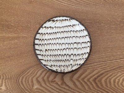 山口和声(三重県)さんのスリップウェア 5寸皿