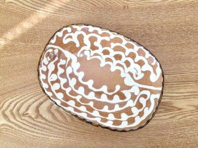 山口和声(三重県)さんのスリップウェア 丸角鉢