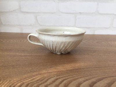 汚れがつきにくい工夫のカップ 古谷浩一さん(信楽)の 鉄散しのぎスープカップ丸
