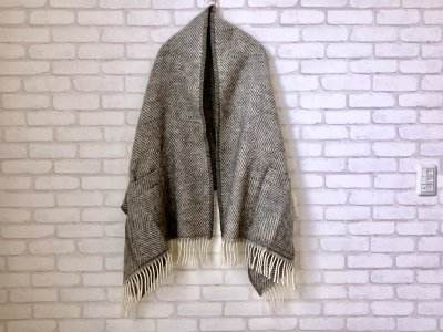 LAPUANKANKURIT(ラプアンカンクリ) MARIA PocketShawl grey-white