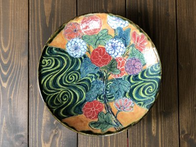 春信工房 菊と流水紋様の色絵大皿(金継ぎ)