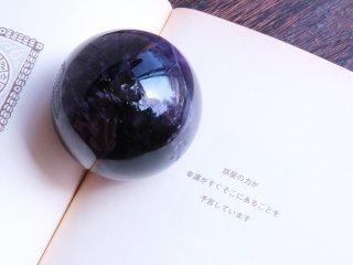 【AT113】アメジスト / 古くから伝わる魔除け・浄化の丸玉ディープアメジスト