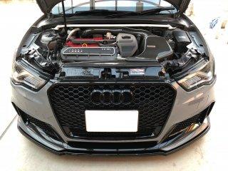UltraRacingフロントストラットタワーバー  AUDI 8V RS3 セダン スポーツバック