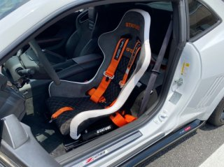 Status GTX FRP製オーダーメイドバケットシート 生地・ステッチを自由にカスタム可能