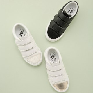 <img class='new_mark_img1' src='https://img.shop-pro.jp/img/new/icons23.gif' style='border:none;display:inline;margin:0px;padding:0px;width:auto;' />1730 Velcro Sneaker<br> (15cm)