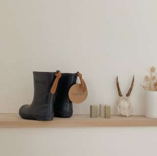<img class='new_mark_img1' src='https://img.shop-pro.jp/img/new/icons14.gif' style='border:none;display:inline;margin:0px;padding:0px;width:auto;' />bisgaard rain boots / navy