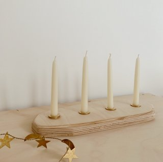 <img class='new_mark_img1' src='https://img.shop-pro.jp/img/new/icons14.gif' style='border:none;display:inline;margin:0px;padding:0px;width:auto;' />Laine Maison beeswax candleholder(with 4 beeswax candle)
