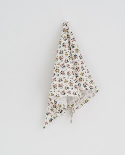 <img class='new_mark_img1' src='https://img.shop-pro.jp/img/new/icons14.gif' style='border:none;display:inline;margin:0px;padding:0px;width:auto;' />Little Cotton Clothes - Triangular scarf muslin aster floral