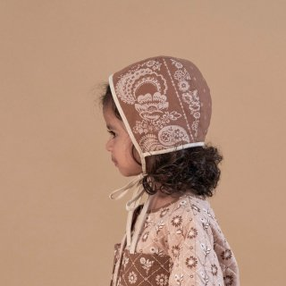 <img class='new_mark_img1' src='https://img.shop-pro.jp/img/new/icons14.gif' style='border:none;display:inline;margin:0px;padding:0px;width:auto;' />Apolina Elenore Bonnet / Bandana Floral Mud