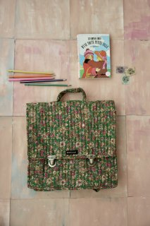 <img class='new_mark_img1' src='https://img.shop-pro.jp/img/new/icons14.gif' style='border:none;display:inline;margin:0px;padding:0px;width:auto;' />Bonjour Quilted School bag / Small green flowers