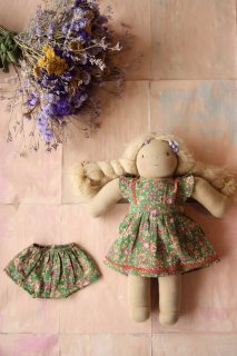 <img class='new_mark_img1' src='https://img.shop-pro.jp/img/new/icons14.gif' style='border:none;display:inline;margin:0px;padding:0px;width:auto;' />Bonjour Doll dress with panty / Small green flowers
