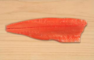 スモークサーモン半身(約1,6kg)