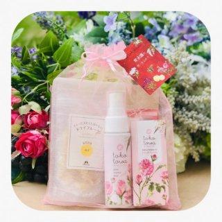 【送料無料】薔薇の香りの美肌ギフトセット 〜ローズの香りの化粧水とロールオン&ハーブティ&ドライフルーツ〜