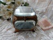 ID022 19世紀クリスタルガラスの宝石箱