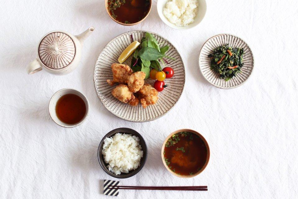 【次回再入荷時期未定】山田雅子/しのぎ/7寸皿(直径22cm)