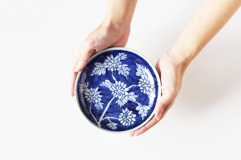 樋山真弓/染付菊/5寸皿(直径15cm)
