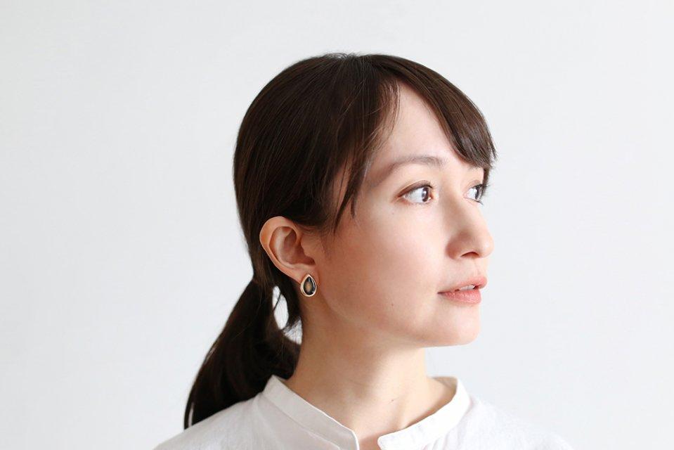 Ouca/ブラックエナメル/しずく(イヤリング)