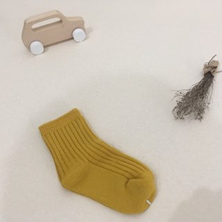 <img class='new_mark_img1' src='https://img.shop-pro.jp/img/new/icons23.gif' style='border:none;display:inline;margin:0px;padding:0px;width:auto;' />【30%OFF】MIKANU「EVERYDAY SOCKS (mustard) 1-2y」