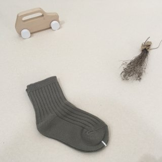 <img class='new_mark_img1' src='https://img.shop-pro.jp/img/new/icons23.gif' style='border:none;display:inline;margin:0px;padding:0px;width:auto;' />【30%OFF】MIKANU「EVERYDAY SOCKS (sand/gray) 1-2y」